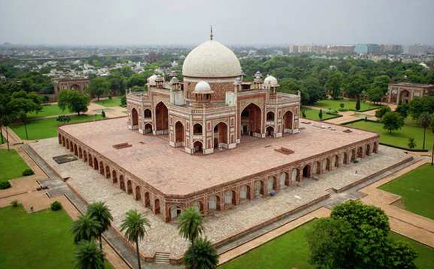 Best of 4 Days Golden Triangle tour package from Delhi to Agra and Jaipur to experience the best of India's rich cultural heritage and historical monuments on this 100% Tailor-made Delhi Agra Jaipur Tour Package 4 days.